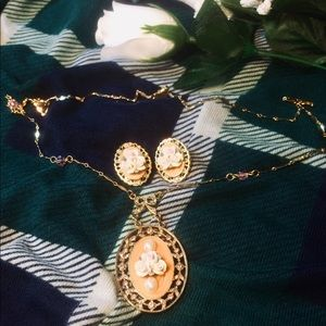 Vintage Gold & Pink Rose🌹Earring & Necklace Set